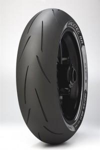 metzeler-racetec-rr-rear-isometric